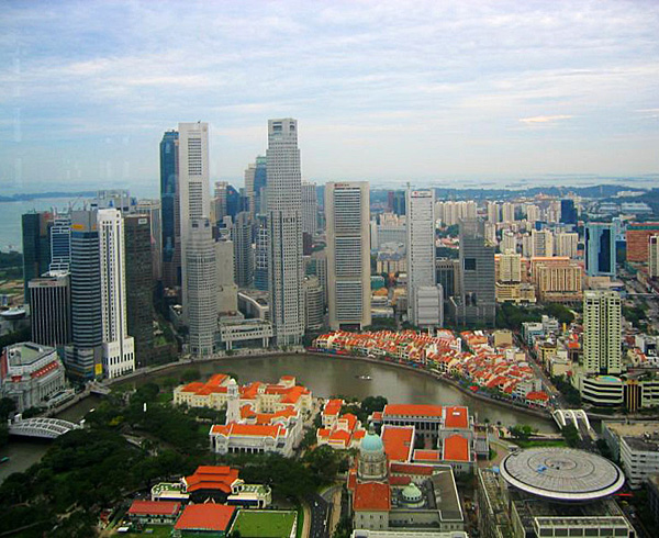 Aerial_view_of_the_Central_Business_District,_Singapore_-_20050409_a